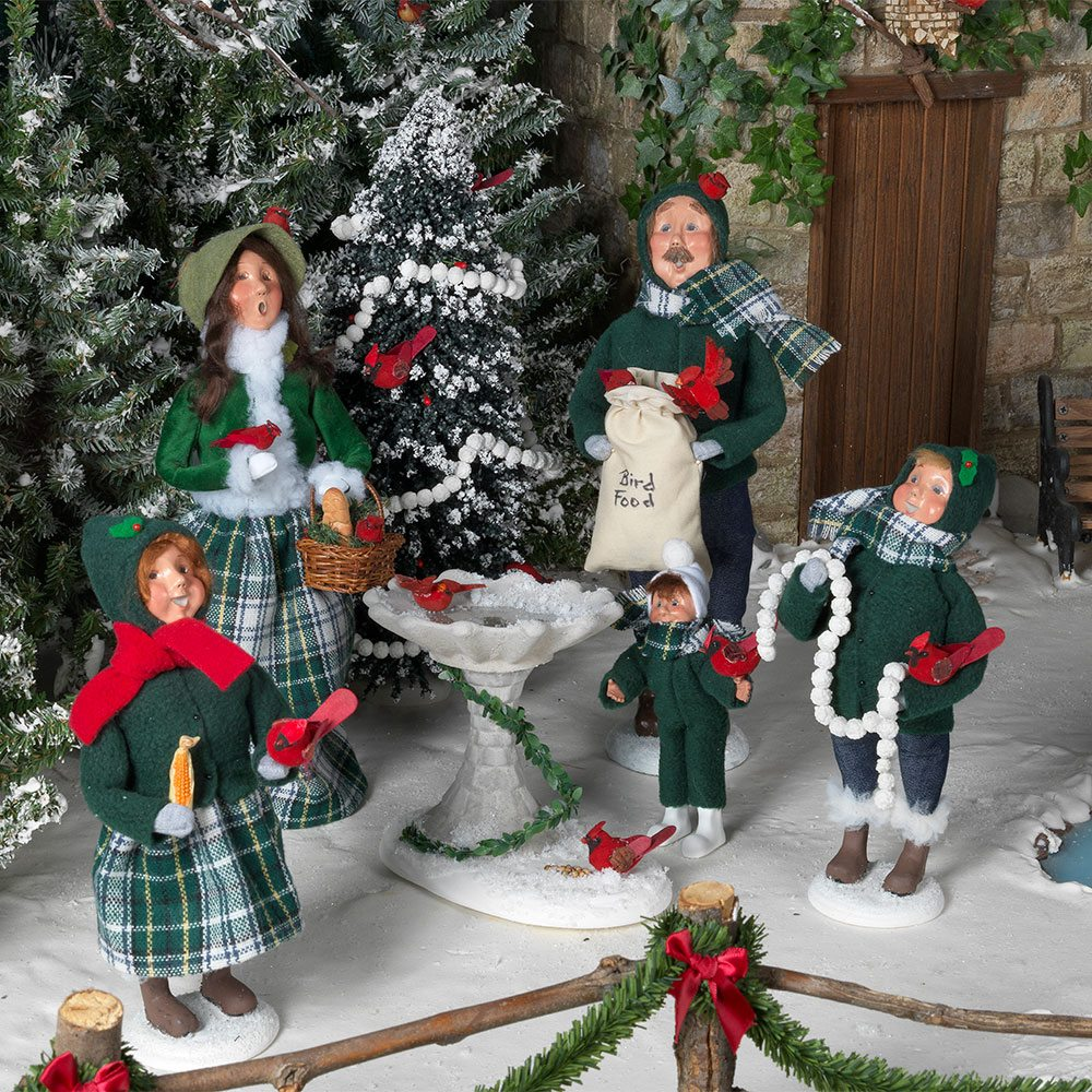 Christmas carolers figurines for sale - Byers Choice Specialty Family Series Carolers
