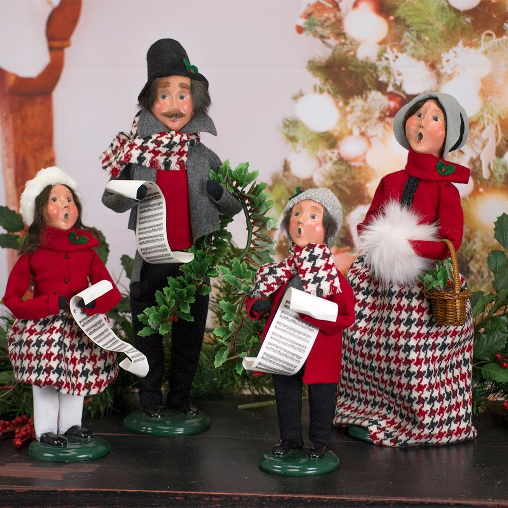 byers choice specialty family series carolers