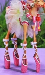 30228_dancer_figure_legs_mcu