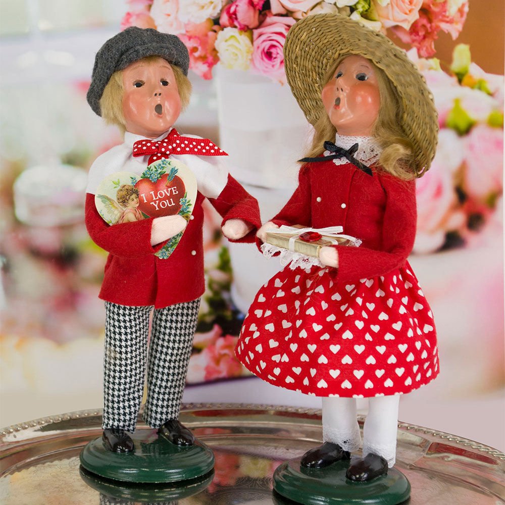 2019 Byers' Choice Valentine Boy and Girl